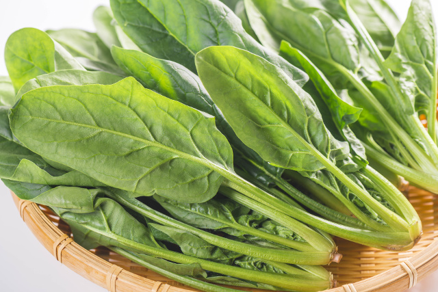 spinach leafy greens folate